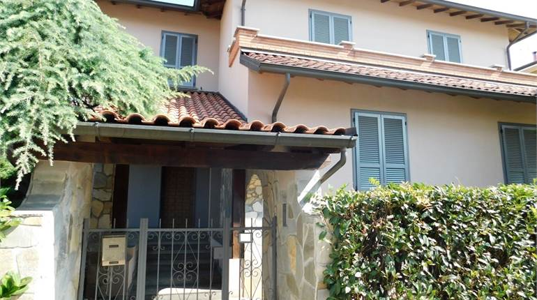 Villa for sale in San Genesio ed Uniti