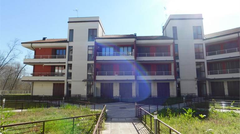 Studio flat for sale in Pavia