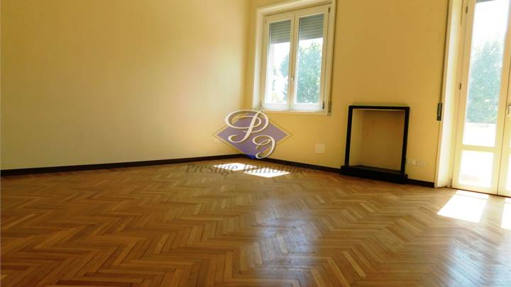 3+ bedroom apartment for sale in Pavia